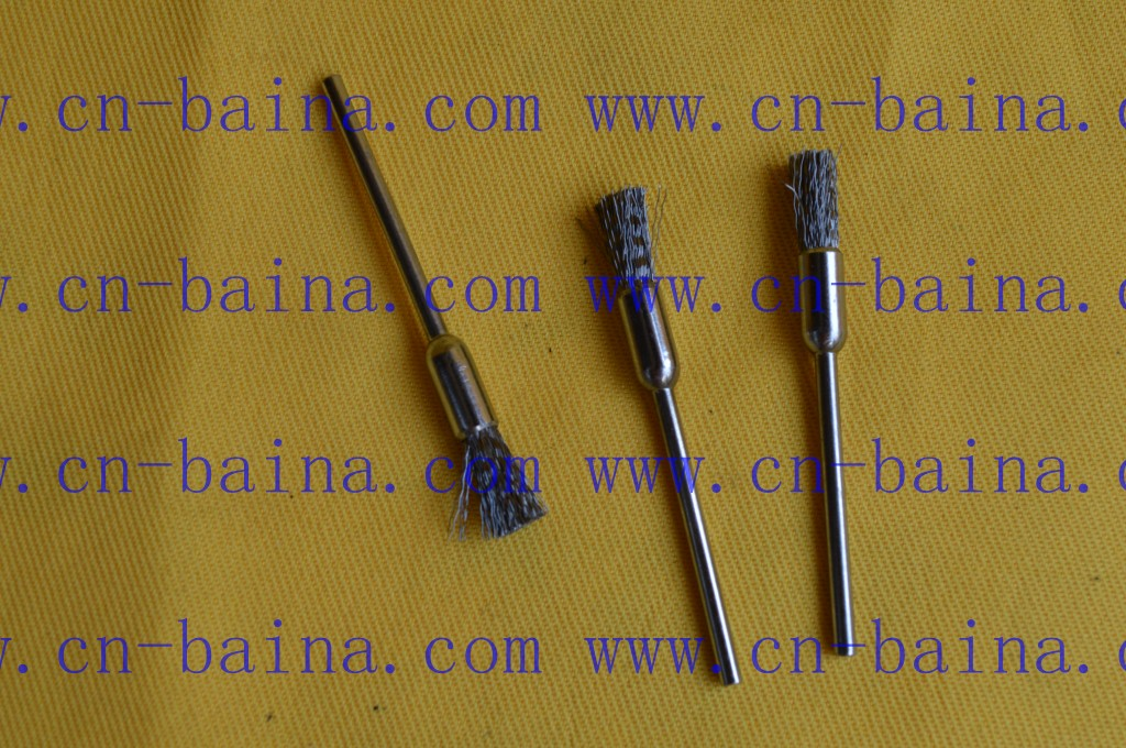 Silver crimped steel brushes